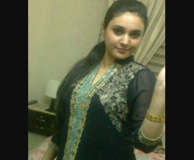 Indian Bhopal Girl Omakshi Vohra Real Whatsapp Number For Chat